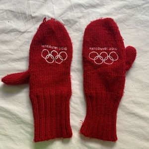 Canada Vancouver 2010 Olympic Mittens